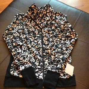 ⭐️NWT⭐️Lululemon Special Edition Jacket
